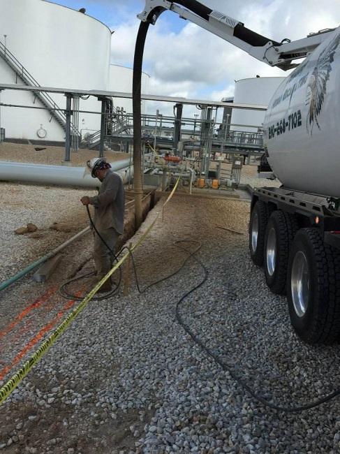 Hydro Excavation Minimizes Risk When Potholing